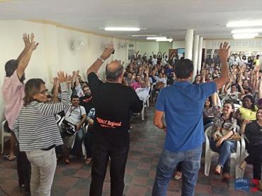 Professores decretam estado de greve